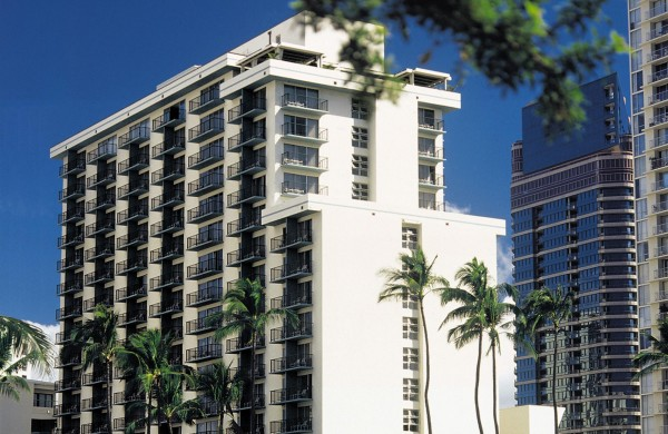 Doubletree Honolulu for a Small Wedding Venue