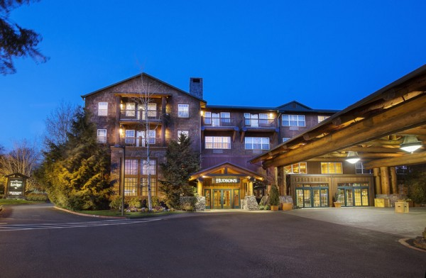 Heathman Lodge in Vancouver, WA - Small Wedding Venue